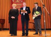 Лауреат премии имени П.М.Третьякова А.Е.Тейс, президент Благотворительного фонда