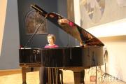 Лауреат международных конкурсов Ирина Красотина (фортепиано)