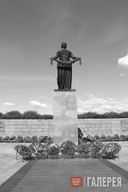 Мемориал «Пискаревское кладбище».  Санкт-Петербург (Ленинград)