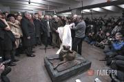Александр Цигаль, Сергей Цигаль открывают памятник «Сочувствие». 17 февраля 2007