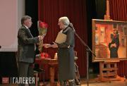 Президент Фонда В.М. Бехтиев поздравляет М.В.Астафьеву
