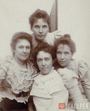 Дочери П.М.Третьякова: Вера, Мария, Александра и Любовь. Конец 1890-х