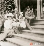 Слева направо: Г.Л. Теляковская, Всеволод Теляковский, Ирина Теляковская, В.А. Т