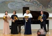 Слева направо: Вей Сяосяо, Ирина Красотина, Марина Карпеченко, Даниил Копылов