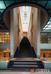Главная лестница Музея личных коллекций