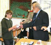 Вручение студенческих билетов ректором Института