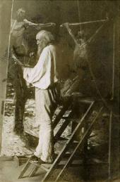 H.H. Ге в мастерской. Около 1892. Фотография