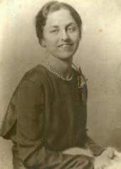 В.М. НЕСТЕРОВА, СРЕДНЯЯ ДОЧЬ ХУДОЖНИКА. [1934–1935]