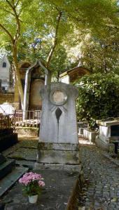 Могила М.Скотти на кладбище Монмартр в Париже. 2013