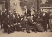 И.И.Левитан. (стоит второй слева) в группе художников ТПХВ. Фотография. 1899